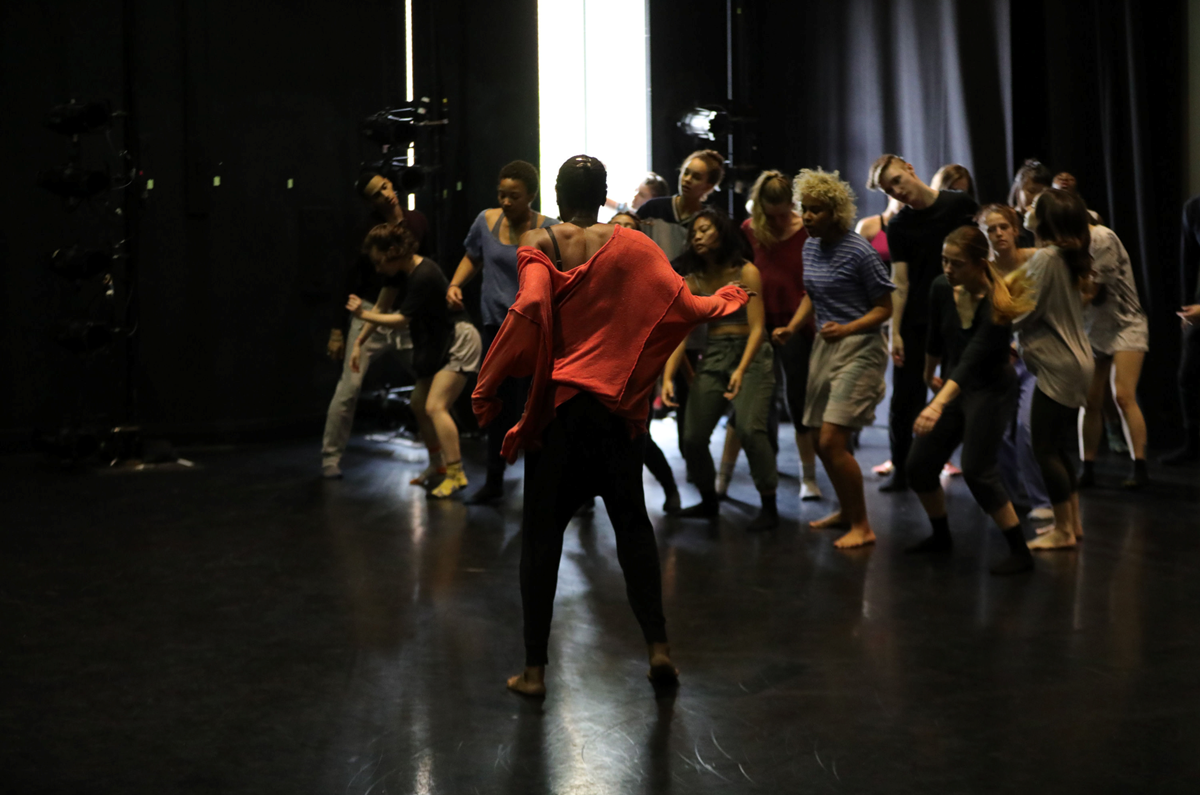Okwui and dance students workshop