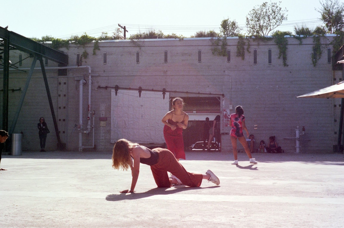 3 dancers at Hauser and wirth